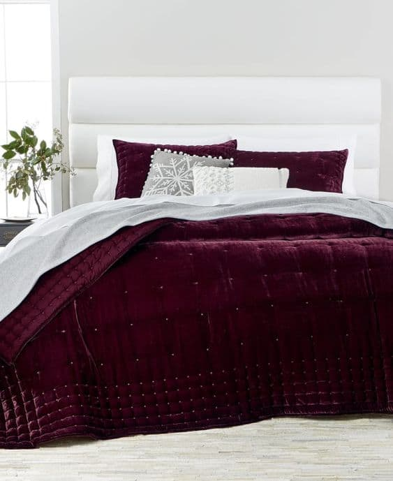 burgundy bedroom romantic bedroom ideas bedrooms for couples burgundy bedrooms for couples burgundy and white bedding