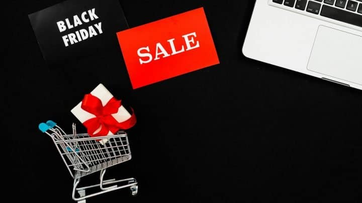 macbook plus gift box on sale at black friday