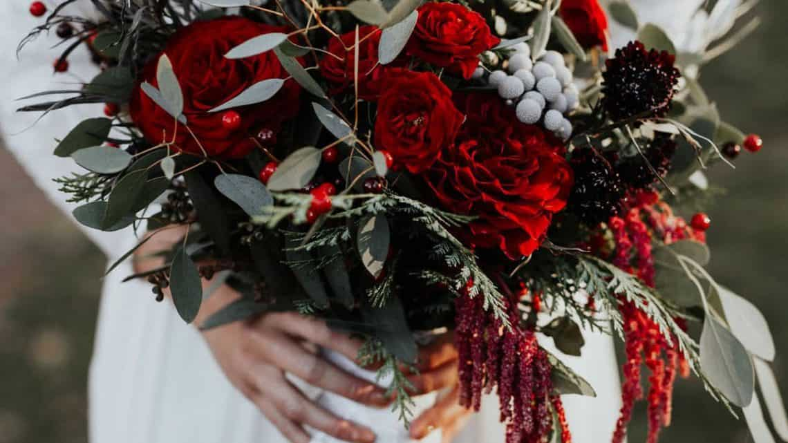 Plan Your Marriage Ceremony : Here Are Some Amazing Ideas For You To Organize Unique Burgundy Wedding Flower Arrangement (2021)