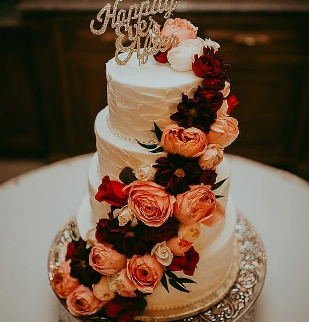 Here Are Some Amazing Tips To Choose The Best Burgundy Wedding Cake Design For Your Marriage Ceremony (2021)