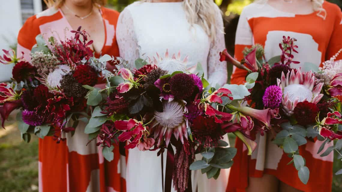 Want To Select The Best Wedding Decor: Here Is Your Complete Guide Towards Choosing The Best Burgundy Floral Arrangement (2021)