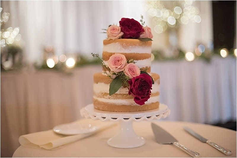 Here Are Some Unique Burgundy Wedding Cake Ideas For Making The Festive Of Your Marriage Ceremony Really Special (2021)