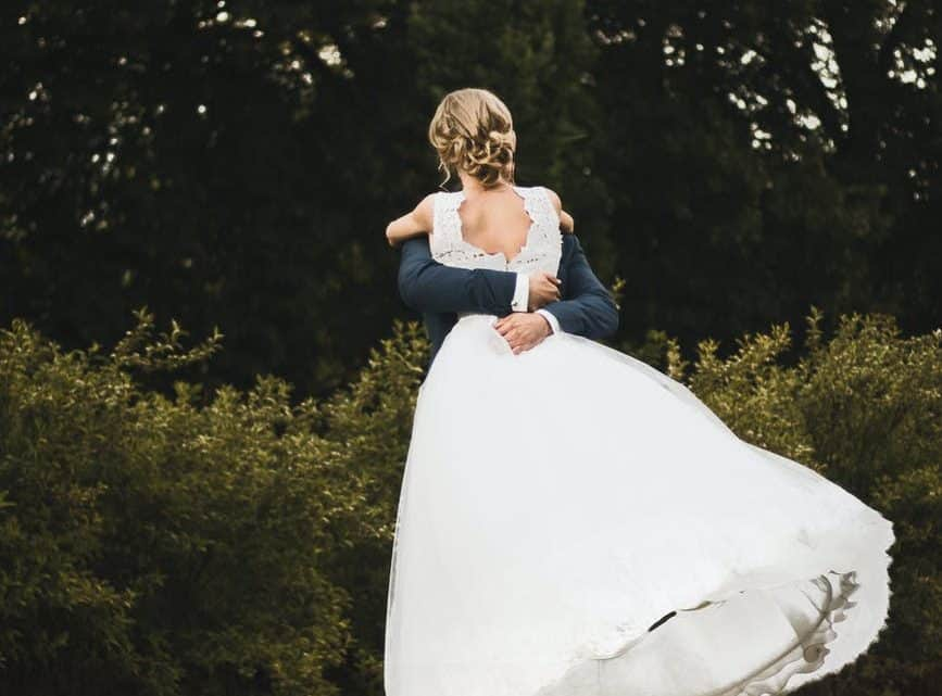 Have The Best Emotional Highlight Wedding Video For Your Burgundy Marriage Ceremony To Be Really Memorable (2021)