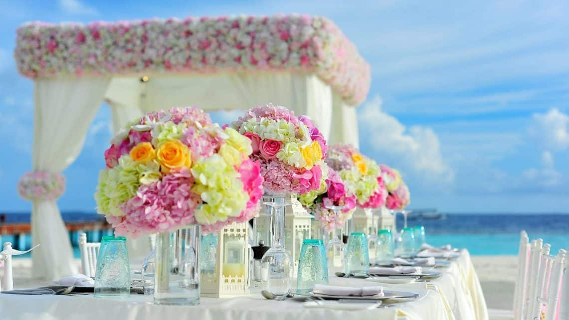Here Is How You Can Give Best Ever Wedding Favors On Your Special Day! (2021)
