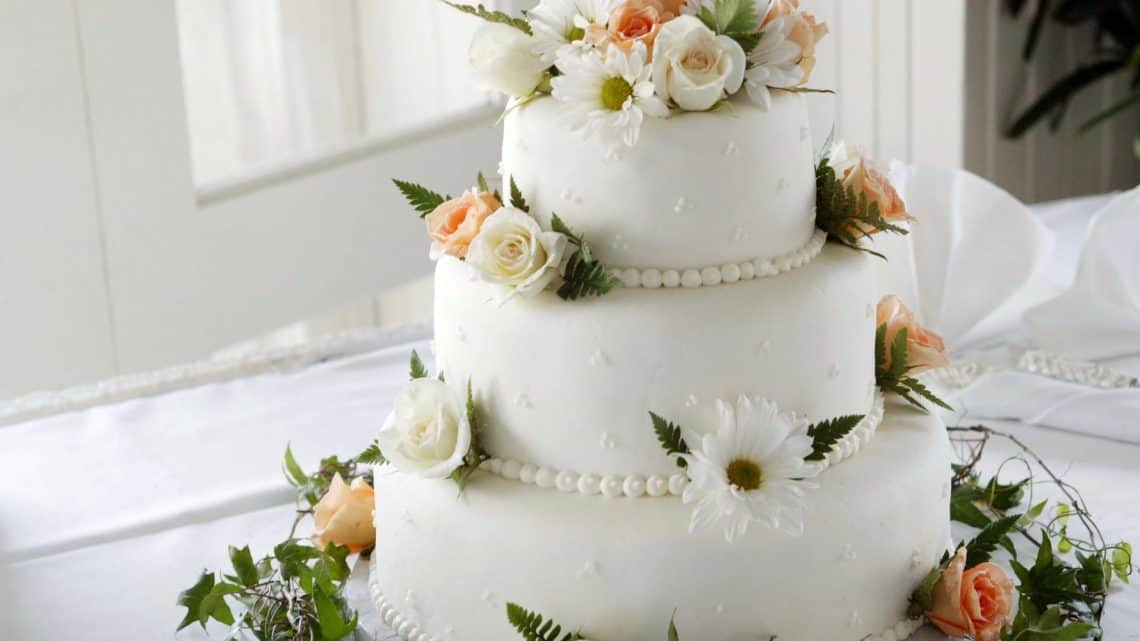 Check Out These Things You Should Know About Cake : Where Did Smashing Burgundy Wedding Cake Toppers Originated? (2021)