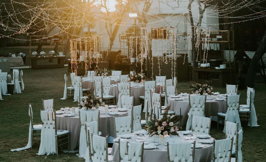 Want To Arrange A Surprise For Bride And Groom At The Burgundy Wedding ? Do It By Choosing The Best Reception Music To Rock To (2021)