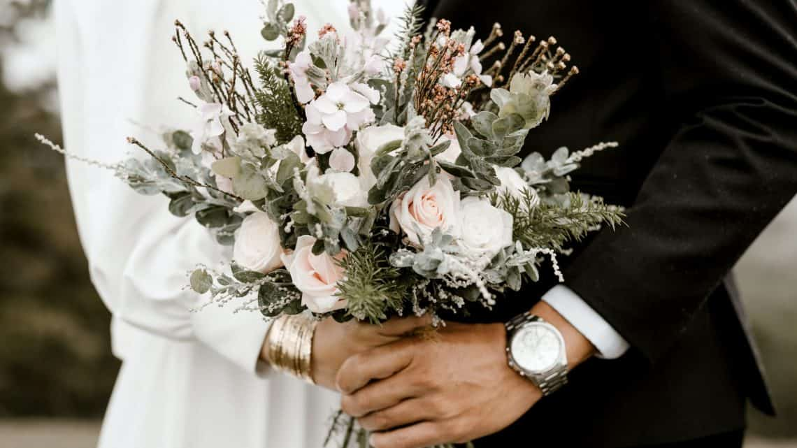 Marriage Planning : Here Is Few Tips With You Can Organize Your Burgundy Wedding In 2021.