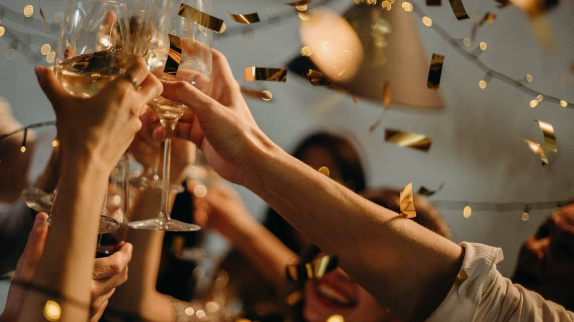 20+ Burgundy Event Management Tips : Check Out These Best Ideas How To Start A Wedding Planner Business With Little Or No Money? (2021)