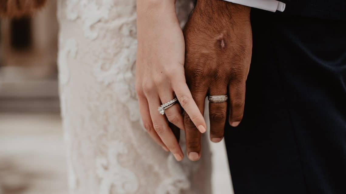 Wedding Rings For Men: Check Out These Amazing Burgundy Bands For Your Groom he Will Definitely Like It (2021)