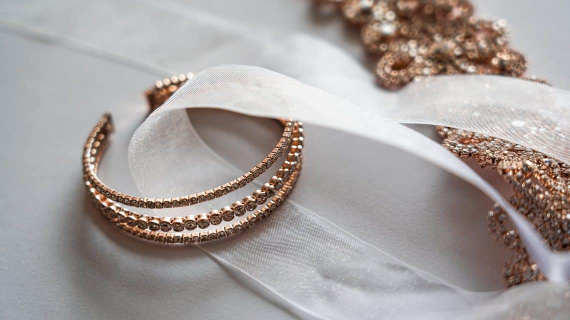 Bride Accessories : Things Every Girl Wishes To Have On Her Wedding Day (2021)