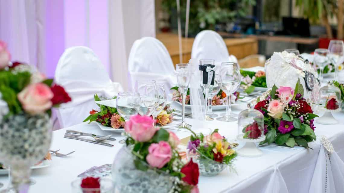 Best Marriage Ceremony Ideas : Rock A 1920s Inspired Burgundy Theme Fantasy Wedding (2021)