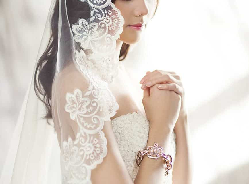 How To Rock An Informal Wedding Event : A Burgundy Short Dress Can Definitely Work! (2021)